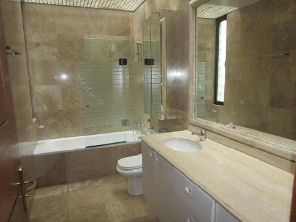 Piso Para Baño Turco: de 2 pisos 4 dormitorios 2 en suite 5 baños 2 dormitorios de