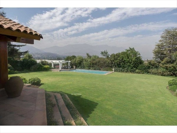 Casa en venta en lo barnechea 4 dormitorios 2018 04 14 for Bombas para riego de jardin