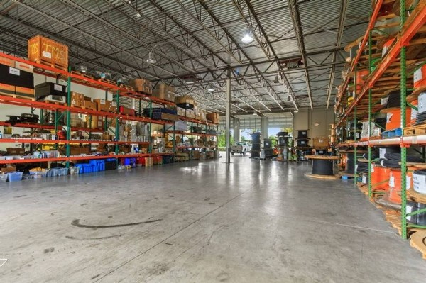 uf 2.864.000 propiedad industrial en venta en miami, usa hbn propiedades comerciales